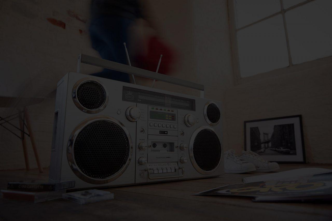 https://danceprestige.ro/wp-content/uploads/2020/02/retro-boombox-website-1280x854.jpg